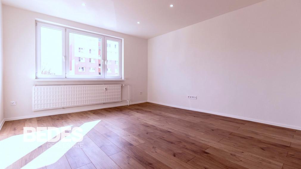 BEDES – Predaj   3 izbový byt, 69m2, kompletná rekonštrukcia, Prievidza - Sever
