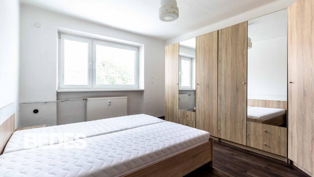 BEDES   Veľkometrážny 2 izbový byt na Starom sídlisku