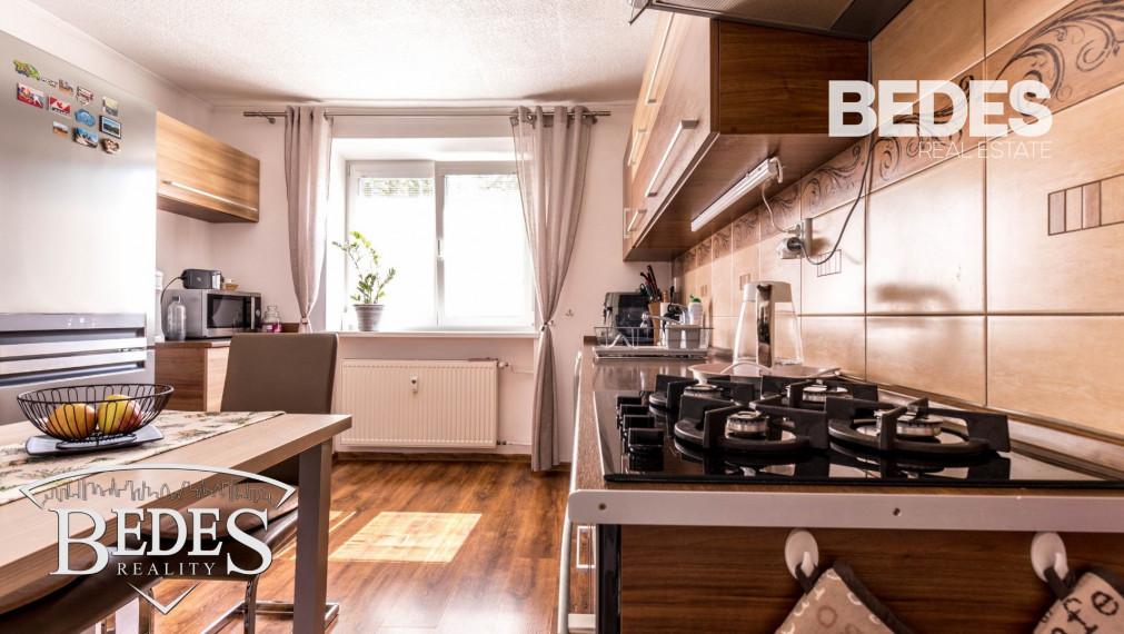 BEDES   Pekný 2 izbový byt  na Starom Sídlisku