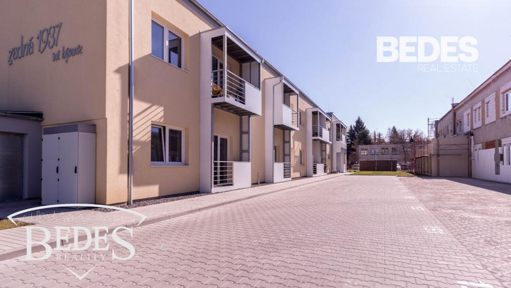 BEDES - PRENÁJOM | Moderný 1 izbový byt na Starom Sídlisku s balkónom